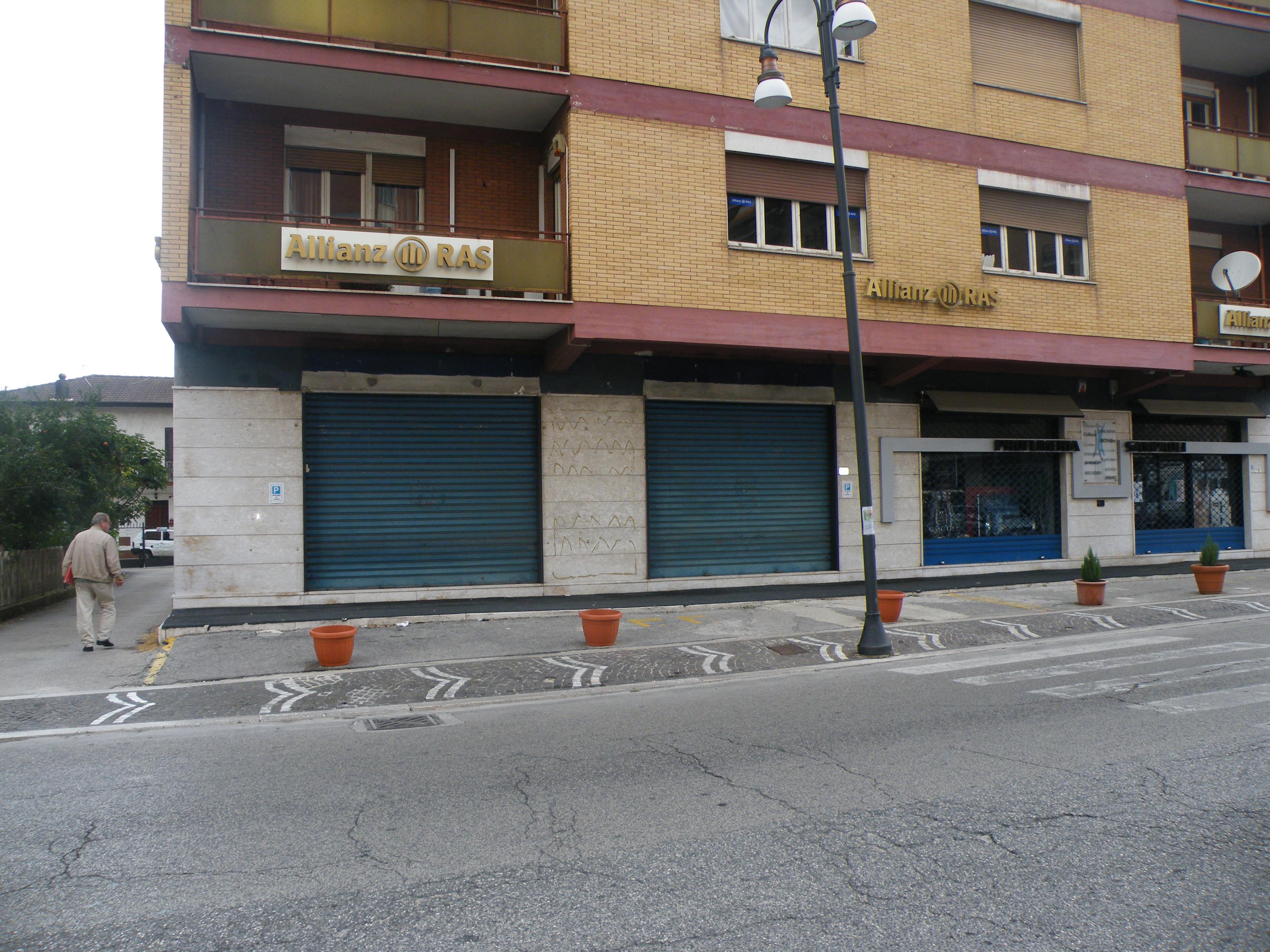 Frosinone Bassa – Fronte strada
